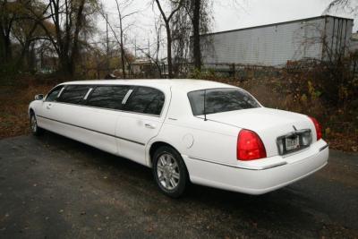 2007-120-federal-limousine-10passenger-limo-coach-03