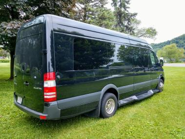 2015-Limo-Mercedes-Benz Sprinter-3500-Limo-03