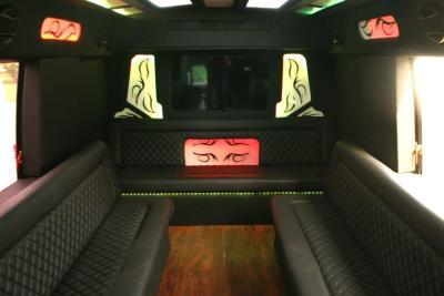 limo-coach-22-passenger-TT-39-05