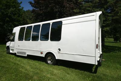 limo-coach-22-passenger-TT-39-17