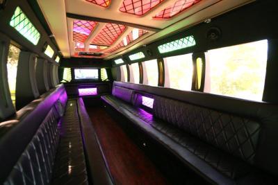 limo-coach-22-passenger-TT-44-01