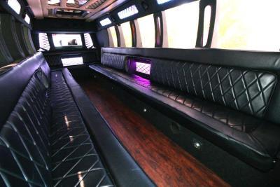 limo-coach-22-passenger-TT-44-05
