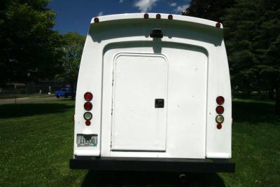 limo-coach-22-passenger-TT-44-17