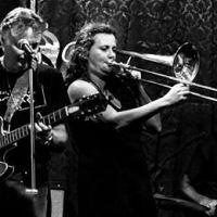Trombone Kellie & Scrubby Pete 1