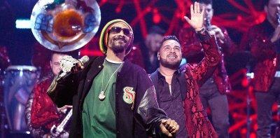 Banda MS ft. Snoop Dogg - Que Maldición