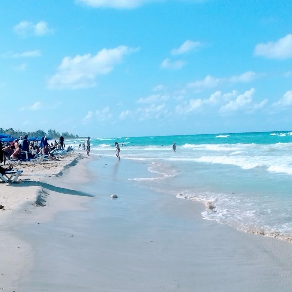 Santa Maria Beach by tropicalcubanholiday.com