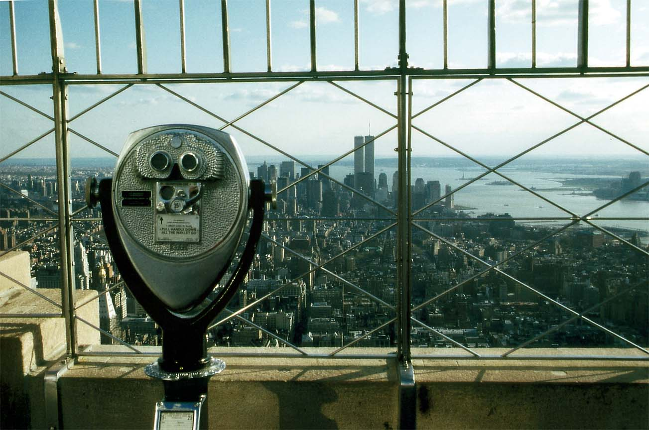 https://i1.wp.com/www.tropicalisland.de/NYC_New_York_Lower_Manhattan_from_Empire_State_Building_with_long_glass_b.jpg