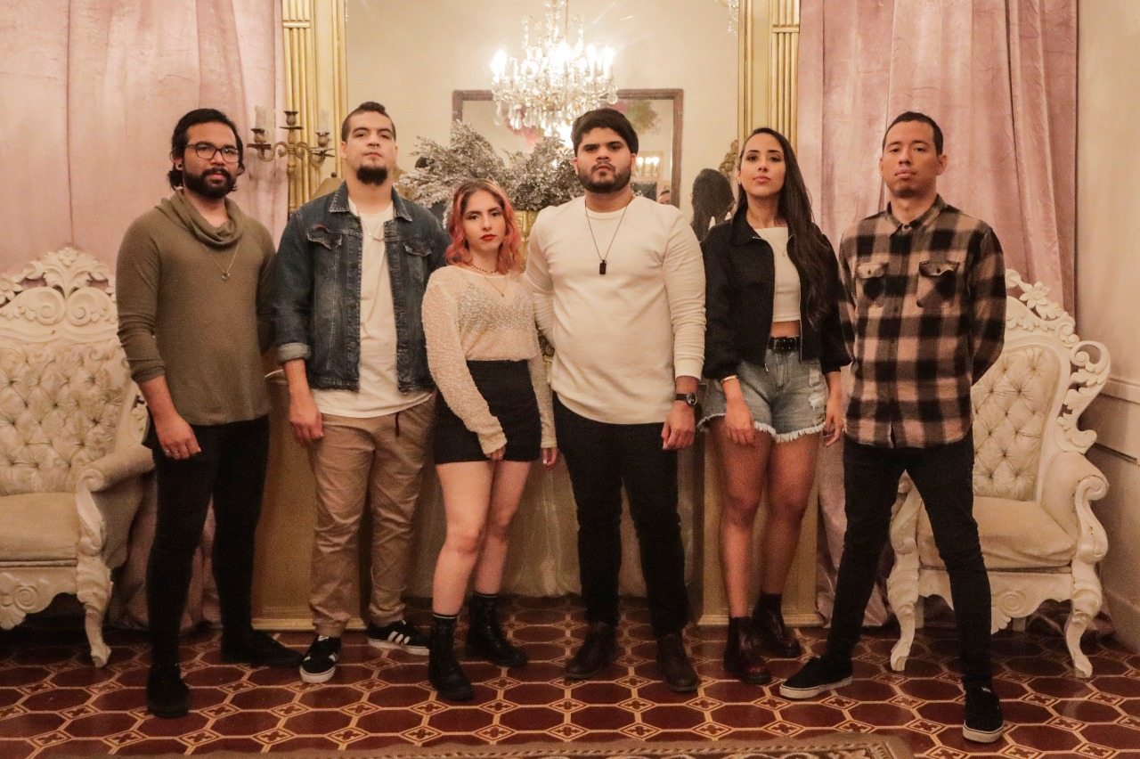 Back 2 School presentando 'Para que no duermas' junto a Ximena Toro de Asuntos Pendiente en El Poste del Neo Travel Cast de Tropical Punk Records
