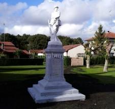 Monumento a los soldados caídos durante la I Guerra Mundial. Moliets
