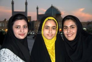 AMIGAS IRANIES DE DELMA EN ISFAHAN