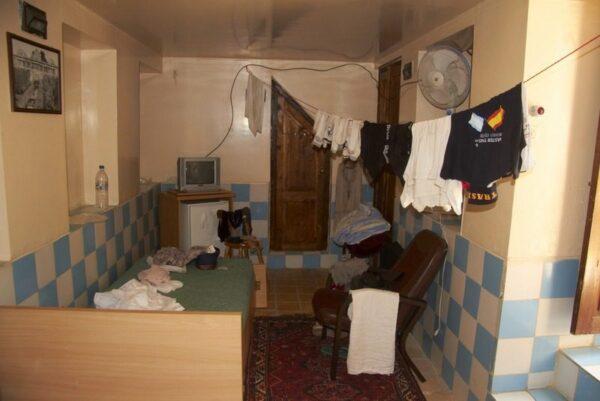 HABITACIÓN DEL GOLSHAN HOTEL EN SHIRAZ