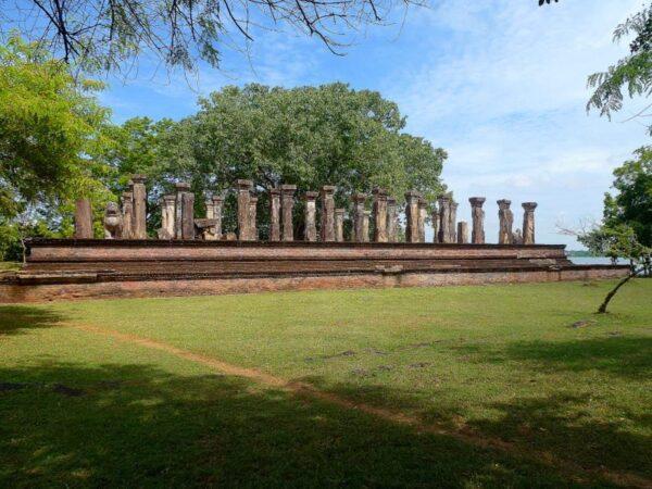 PALACIO DE NISSANKA MALLA EN POLONNARUWA