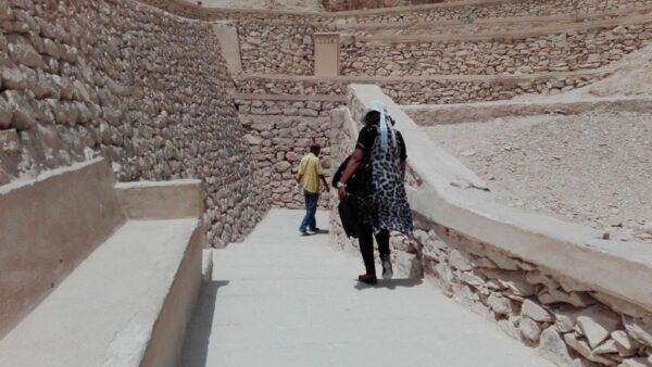 ENTRADA A LA TUMBA KV57, HOREMHEB