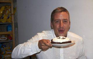 JORGE SOPLANDO LAS VELAS