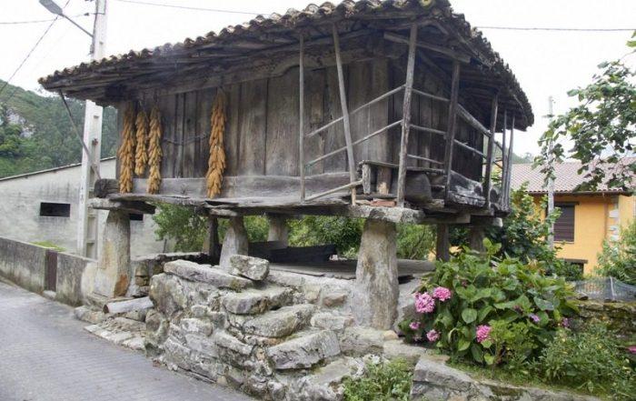 HÓRREO EN CUEVAS DEL AGUA