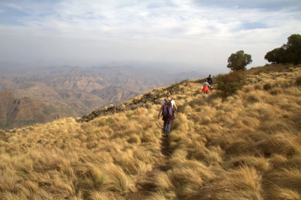 CAMINANDO POR EL PARQUE NACIONAL SIMIEN MOUNTAINS