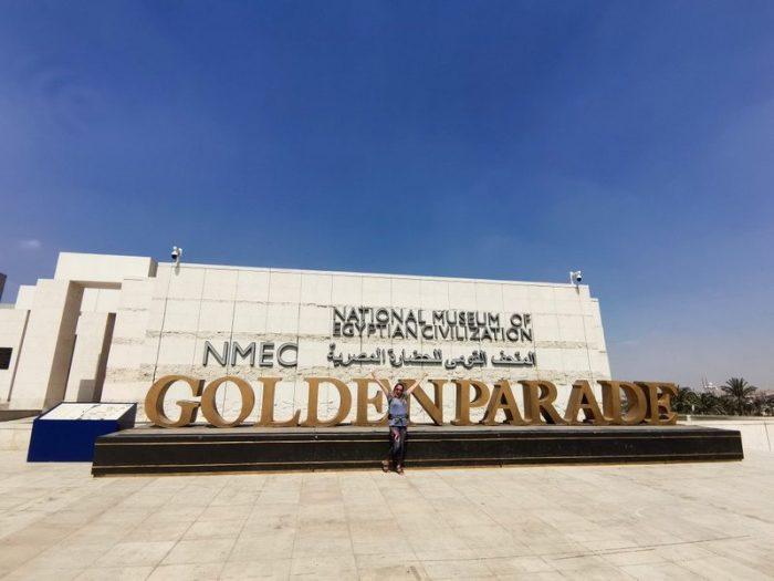 BEATRIZ EN EL MUSEO NMEC EN EL CAIRO