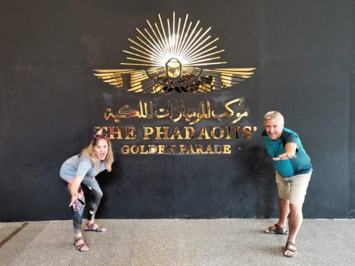 BEATRIZ Y JORGE EN EL MUSEO NMEC EN EL CAIRO