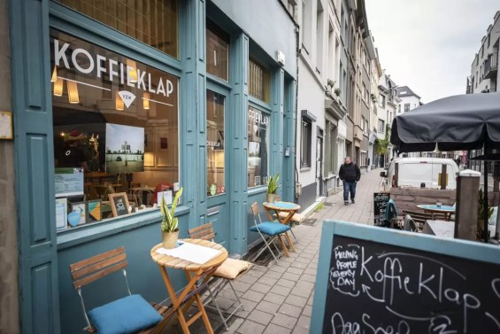 Vitrine van Koffieklap Antwerpen
