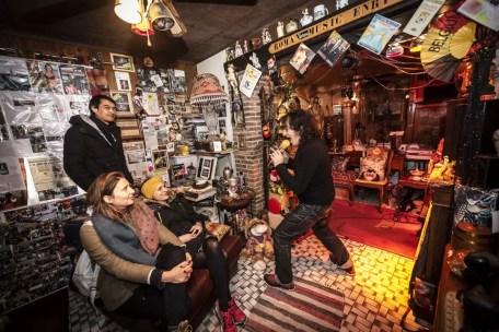 Charleroi Safari: zingen in de living van Enrico