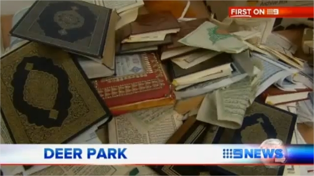 Quran desecrated flushed down toilet in mosque attack Feb. 2012 Melbourne Australia YouTube Google Chrome 2 Corans déchirés et jetées dans les toilettes