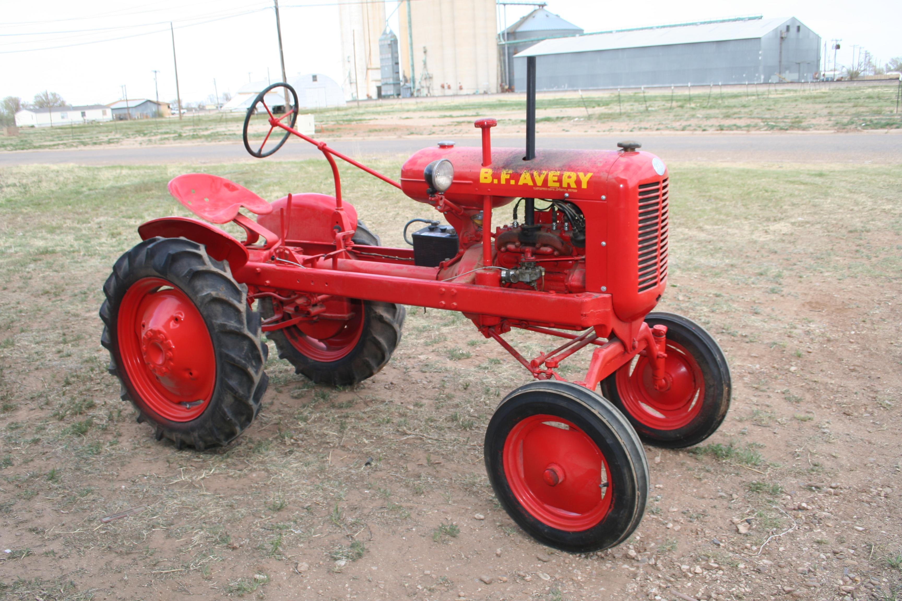 BF Avery V 1949 Troys Tractors