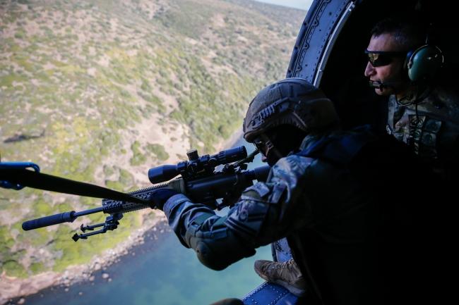 Terörle mücadelede hava unsurları da son derece etkin kullanılıyor. Foto: AA