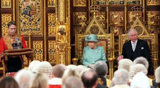İngiltere Parlamentosu açıldı