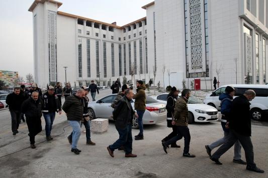 Haraç vermeyenlere işkence yapan suç örgütü üyeleri yakalandı