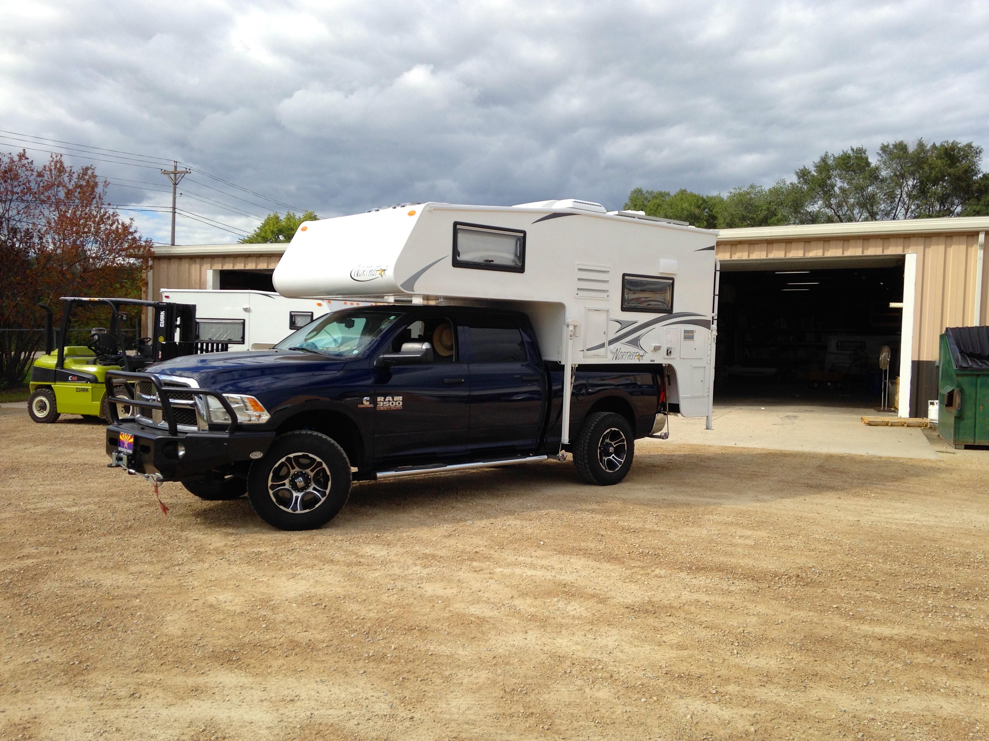 Northstar Laredo SC Truck Camper