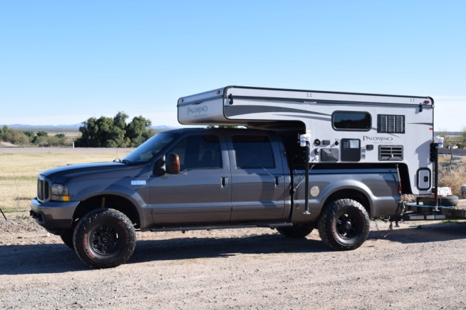 Palomino 1251 Backpack Edition and Ford F-350