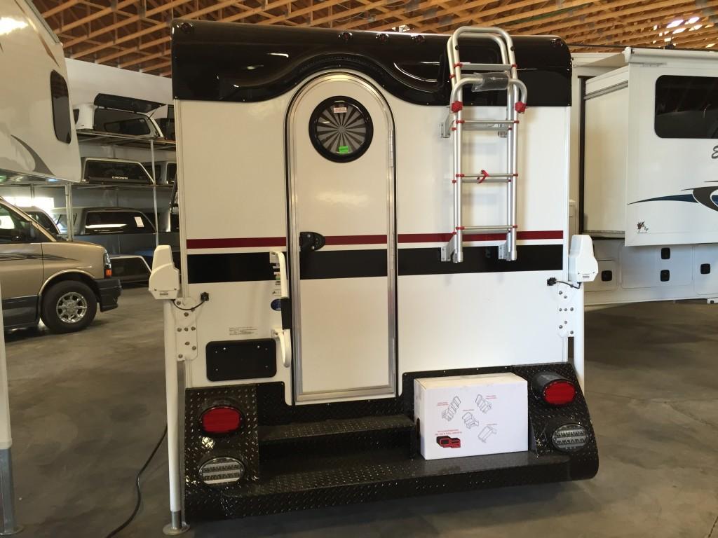Cirrus 800 Truck Camper - Truck Camper Adventure