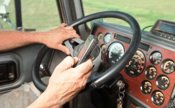 trucker looking for loads on phone