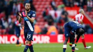 SOUTHAMPTON, UNITED KINGDOM - APRIL 09: Andros Townsend of Newcastle United applauds away supporters after his team's 1-3 defeat in the Barclays Premier League match between Southampton and Newcastle United at St Mary's Stadium on April 9, 2016 in Southampton, England. (Photo by Christopher Lee/Getty Images)