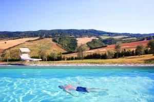 holiday villa in Umbria - rent villa Umbria - villa Italy - moving to Umbria Itay