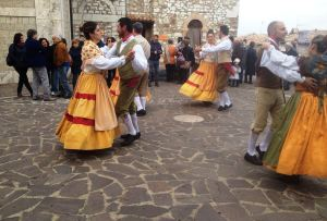 Why to visit Umbria Italy - umbria festival - food and wine Umbria - holiday villa rental - celebrate easter in umbria