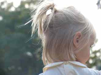 https://commons.wikimedia.org/wiki/File:Little_girl_with_a_little_ponytail.jpg