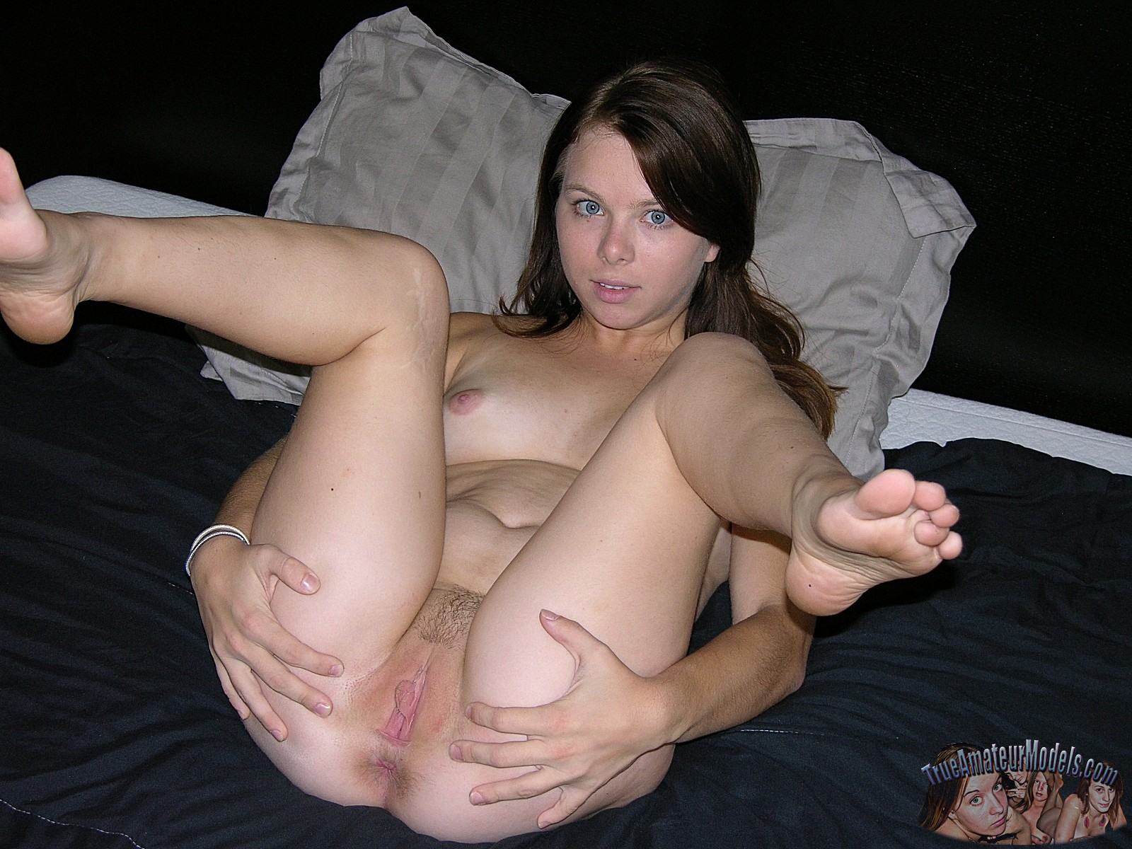 Amatuer spreaded pussy pics - Real Naked Girls