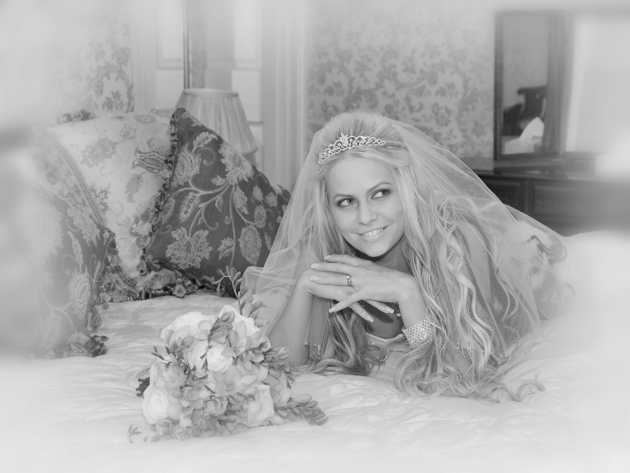 Some fun shots in the bridal suite