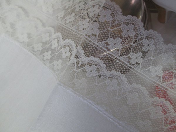 Dainty Cotton and Lace hankie handkerchief fine cotton double lace cottage shabby chic collectible display hanky
