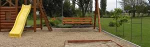Dětská hřiště Inovativní a bezpečná. Hřiště nejvyššího standardu jsou určené do zahrad i veřejných ploch. Poradíme Vám jak na to.