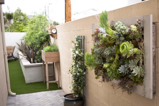 Fabulous DIY Patio ideas that will definitely inspire you on Wall Ideas For Yard id=55799