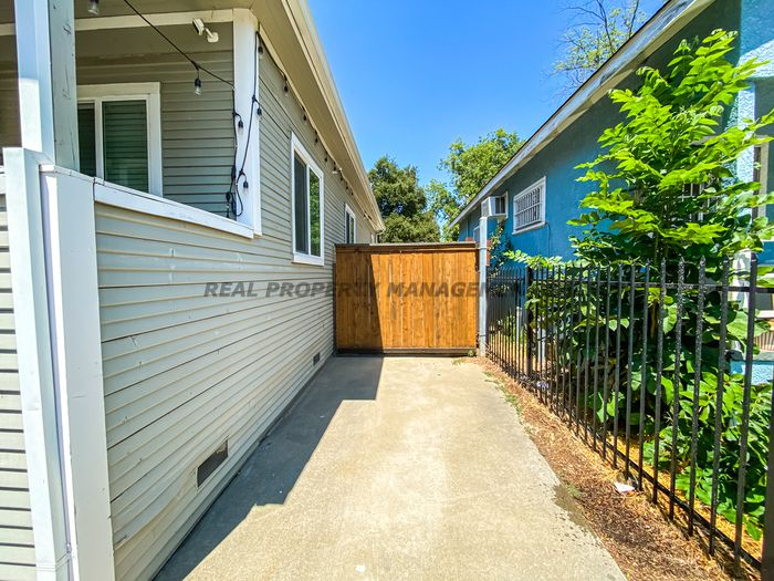 Looking for affordable car insurance? Houses For Rent In Central Oak Park Sacramento Ca 3 Homes Trulia