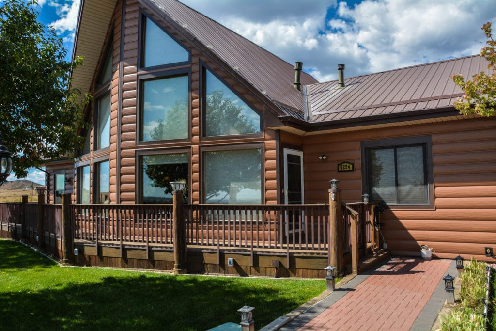 29 Stunning Steel Siding Design Ideas on House Siding Ideas  id=88506