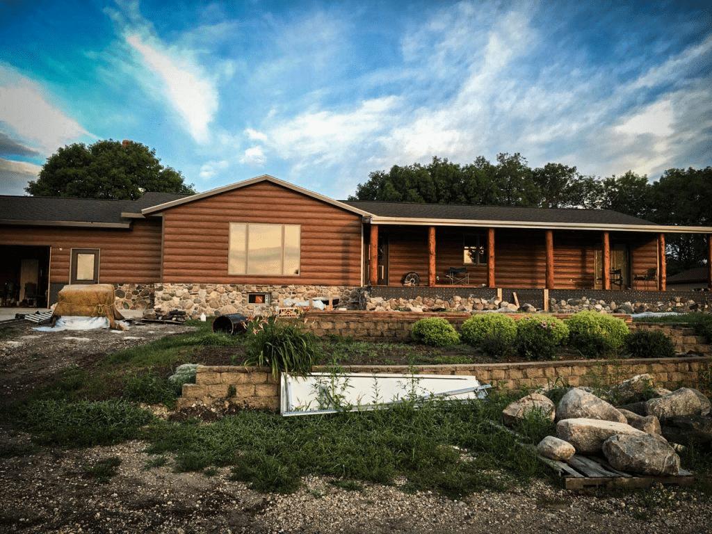 Log Homes: 7 Fantastic Siding Ideas For Ranch Style Homes on House Siding Ideas  id=57146