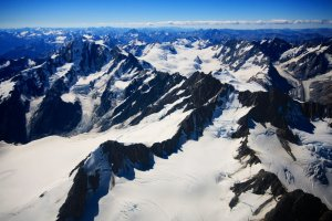 Looking over the Southern Alps of New Zealand from 19.500 feet.