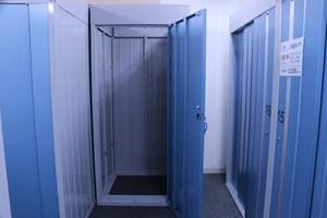 屋内型トランクルームの内部