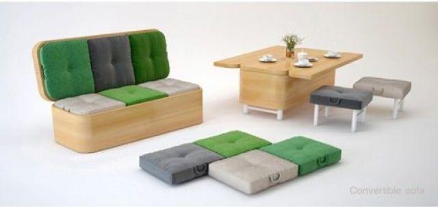 sofa que se convierte en mesa con sillas