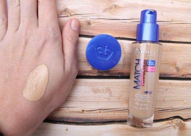 base de maquillaje Match perfection de Rimmel London