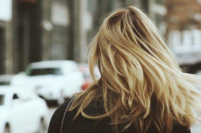 cortar las puntas del pelo